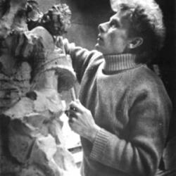 Памятники, ставшие визитной карточкой Челябинска, создал скульптор, воспитанник изостудии Дворца.